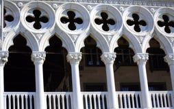 共和国总督` s宫殿拱廊威尼斯意大利 免版税图库摄影