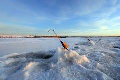 关于井的钓鱼竿 库存图片