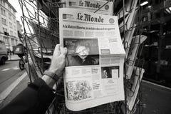 关于史蒂芬・霍金死亡的报纸在第一张页画象 库存图片