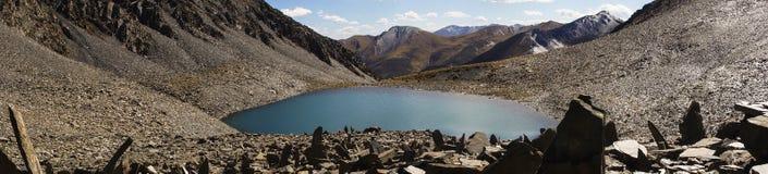 关于圣洁湖的全景在西藏 图库摄影