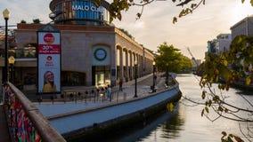 关于河道的银行的论坛阿威罗 库存图片