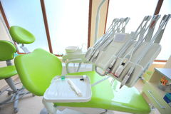 关心牙齿牙科医生办公室工具 库存照片
