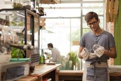 关注细节是钥匙对小企业的成功 库存照片