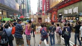 关羽寺庙在纳丹路占领旺角2014年香港抗议革命占领中央的伞 免版税库存照片