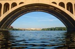 关键桥梁,华盛顿特区,拱道  免版税图库摄影