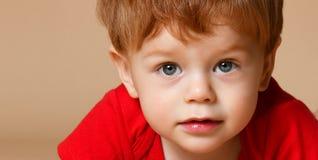 关闭一个小男婴 库存图片