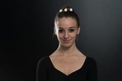 关闭一个美丽的跳芭蕾舞者 库存照片