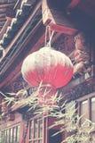 关闭一个老红色中国灯笼 库存图片