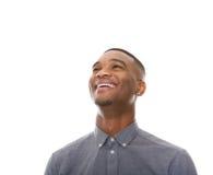 关闭一快乐黑人笑的画象 免版税库存图片