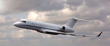 关闭一次私人喷气式飞机飞行 免版税图库摄影