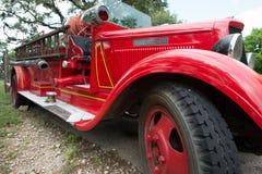 关闭一辆经典消防车 免版税图库摄影