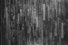 关闭与五谷纹理的土气木桌在葡萄酒样式 库存照片