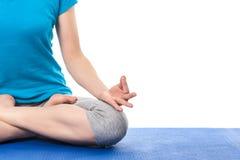 关闭与奇恩角Mudra - psych的瑜伽Padmasana (莲花姿势) 免版税库存照片