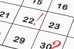 关闭与红色圈子的一个日期30在mo的日历结尾 免版税库存照片