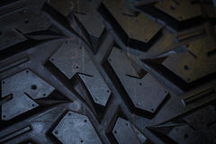 关闭卡车轮胎纹理 库存照片