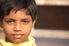 关闭印地安男孩的画象 免版税库存图片