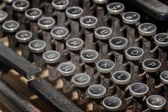 关闭古色古香的打字机 库存照片