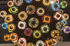 关闭和下美丽的颜色阿拉伯人灯 免版税图库摄影