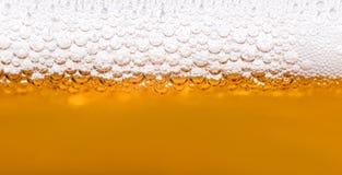 关闭啤酒泡影 免版税库存照片