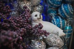 关闭圣诞树玩具 库存照片