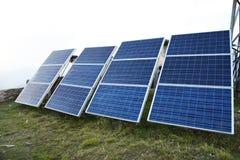 关闭在山的太阳能电池在尼泊尔 免版税库存照片