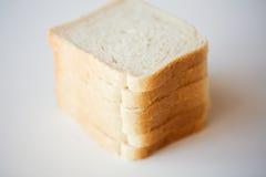 关闭在桌上的白色多士面包 免版税图库摄影