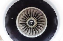 关闭在现代飞机的一个涡轮风扇飞机引擎 库存照片