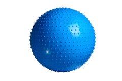 关闭在白色背景隔绝的一个蓝色健身球 免版税图库摄影