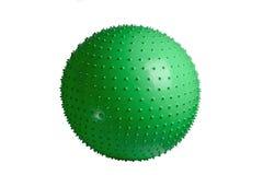 关闭在白色背景隔绝的一个绿色健身球 库存照片