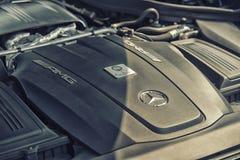 关闭在默西迪丝AMG引擎 免版税库存图片