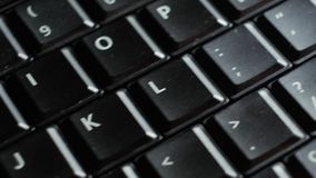 关闭在Enter按钮的黑膝上型计算机键盘焦点 股票录像