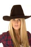 关闭女性模型画象在牛仔帽的 免版税图库摄影
