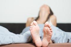 关闭女性脚鞋底  免版税库存照片