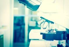 关闭实验室设备 免版税库存照片