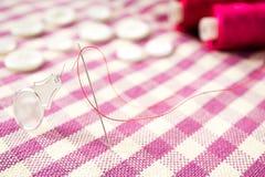 关闭小组缝合的工具作为缝纫针, 库存照片