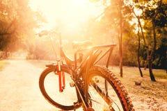 关闭山自行车 免版税库存照片