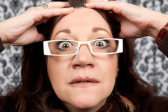 关闭惊吓震惊妇女 免版税库存照片
