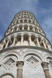 关闭斜塔在比萨 免版税库存照片