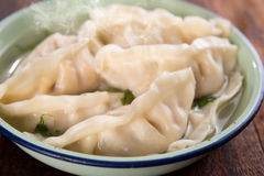 关闭新鲜的饺子汤 库存照片