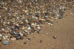 关闭有海的Pebble海滩 库存图片
