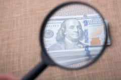 关闭本杰明・富兰克林在美元面对 库存图片