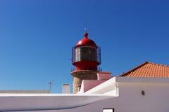 关闭灯塔在萨格里什在Cabo de SA£oo维森特 库存照片