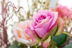 关闭玫瑰人造花 库存照片