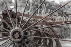 关闭生锈的老农业机械 免版税库存照片