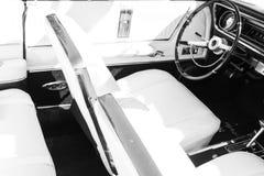 关闭经典汽车内部 免版税图库摄影