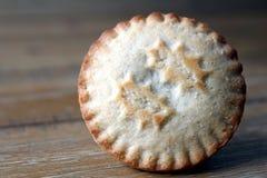 关闭肉馅饼,一个传统圣诞节点心,在w 库存图片