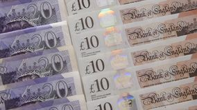 关闭英镑钞票 影视素材