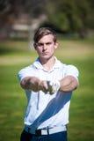 关闭观点的一位男性高尔夫球运动员 库存图片