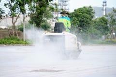 关闭道路清扫工擦净剂射击  免版税库存照片