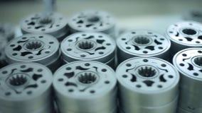 关闭金属宿营在仓库里 金属化在仓库架子的备件 股票录像
